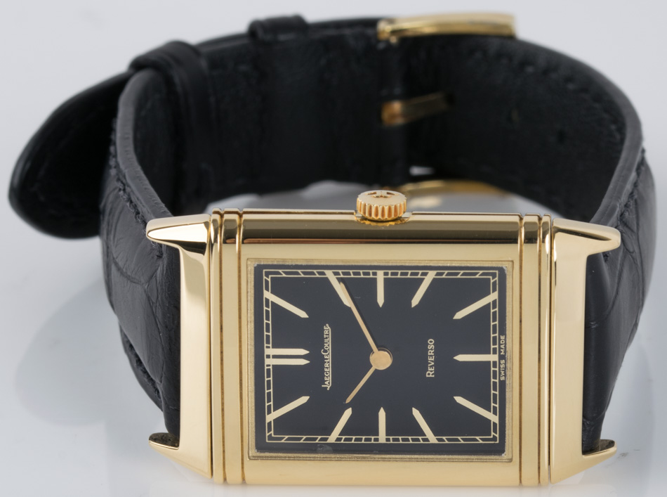 Front view of Reverso Midsize showing black dial