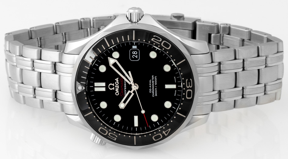 Front view of Seamaster Diver 300M showing deep black dial