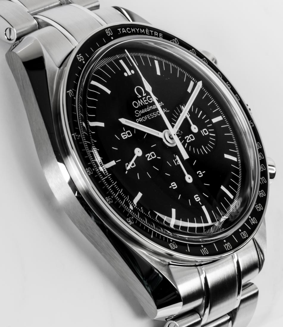 Side angle of Speedmaster Legendary Moonwatch
