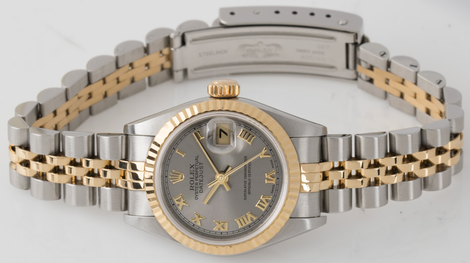 Front view of Ladies Datejust showing steel dial