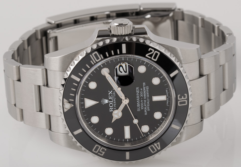 Front view of Submariner Date showing black dial