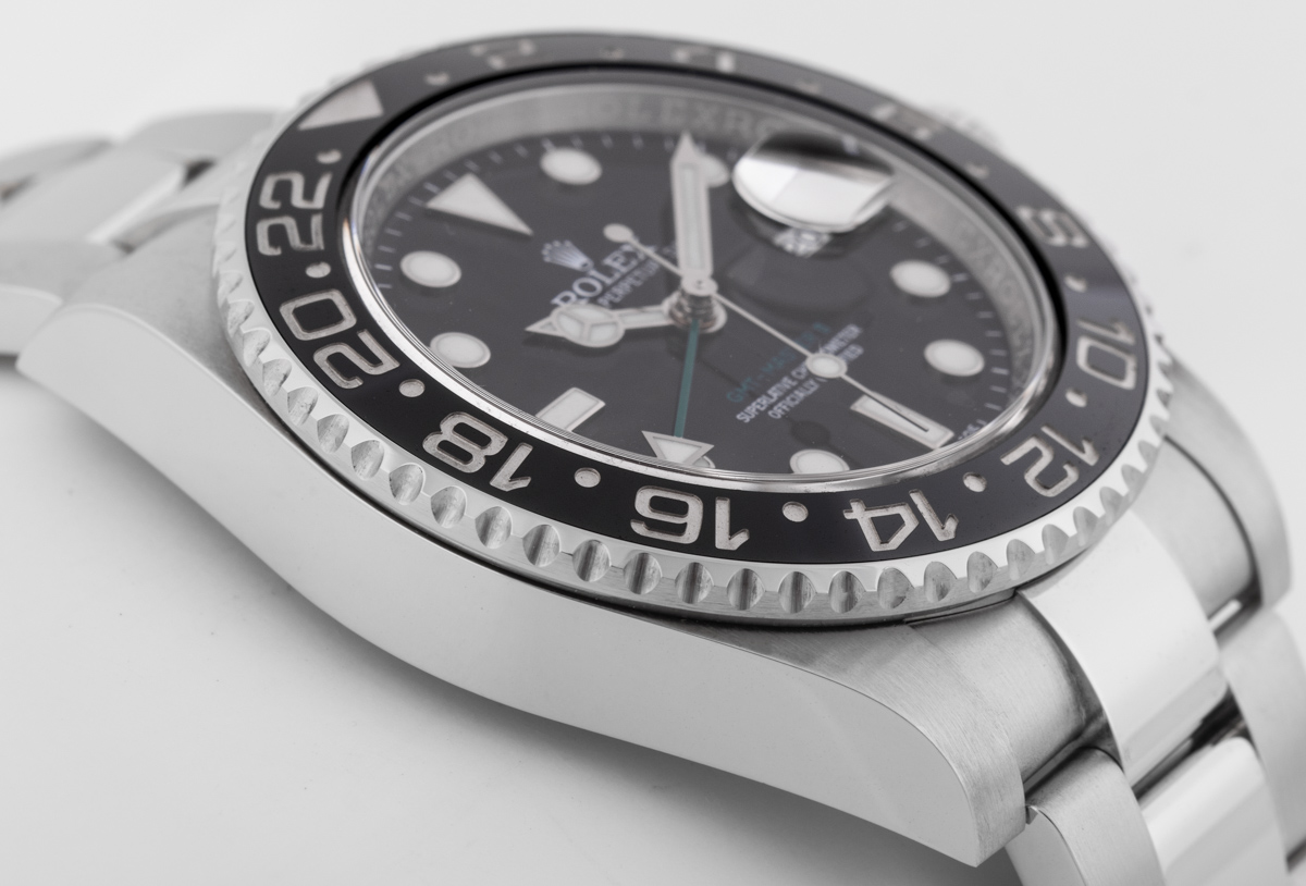Side angle of GMT-Master II