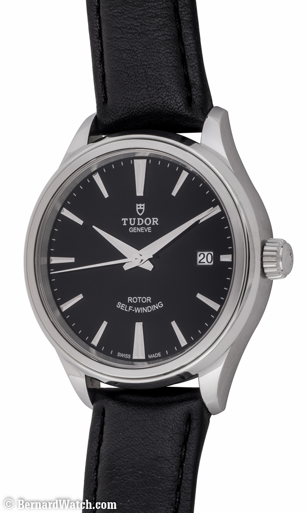 Style : 12500 Black Dial On Black Leather Strap